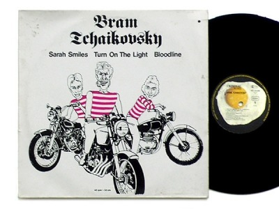"Sarah Smiles / Turn On The Light / Bloodline - Bram Tchaikovsky (Singiel, Winyl, 12"", 45 RPM, Stereo, ℗ © 1978) - przód główny"